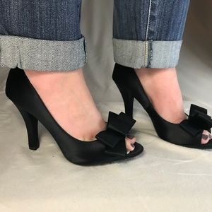 Black Me Too peep toe pumps with bow detail
